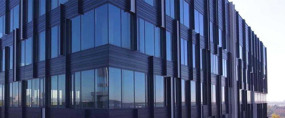 Ламели фасадные алюминиевые на БЦ G10 Мосрентген